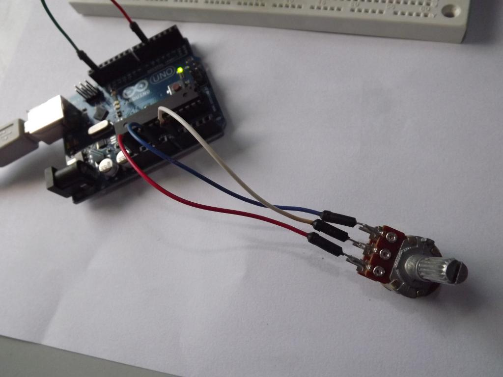 [Imagen: Potenciometro-real-conectado-ao-Arduino.jpg]